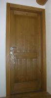 Lesena vrata krtacena