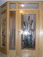 leseni-vetrolov-hrast-steklo-vitraz