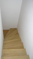 Stopnice modelne iz hrasta
