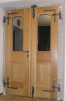 Kovano okovje za vhodna vrata