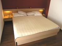 lesene postelje po meri
